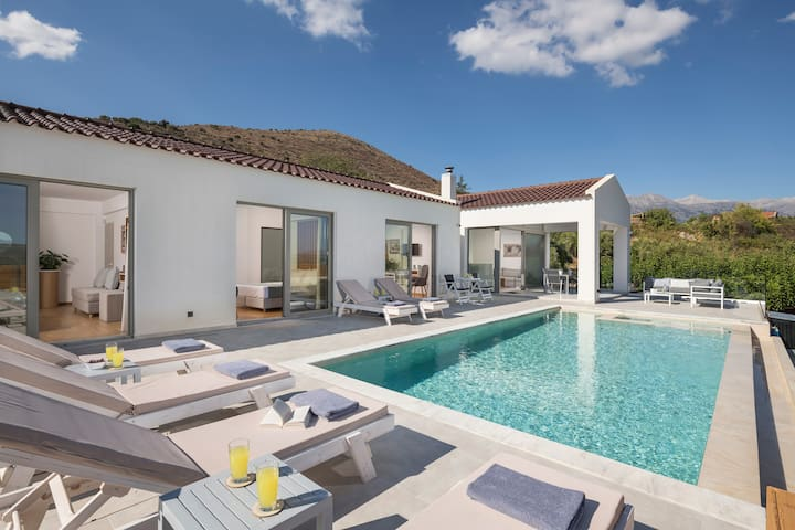 Brand-New,Luxury Villa with Heated Private Pool!!!
