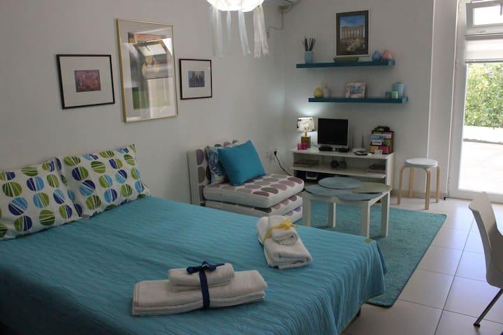 Cozy studio  close to the beach !!!