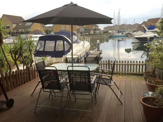 Cadgwith Place - Port Solent - Huis