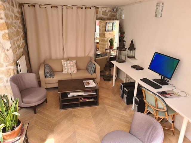 Single room in the heart of Saint-Germain des Prés