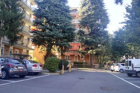 App. 2 locali posto macchina cond. - Castellanza - 公寓