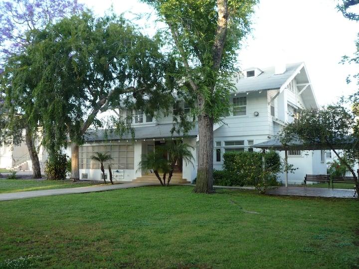 Orange Drive Hostel - Female Dorm