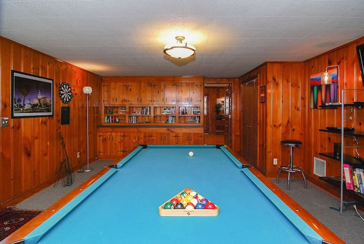 Cozy Ranch with Pool and Game Room Near Downtown