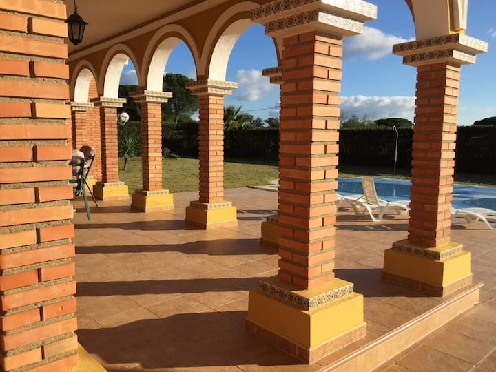 Super detached Villa, Gated, private Swimming pool