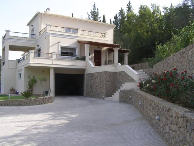 Casa del sole a Corfu 1