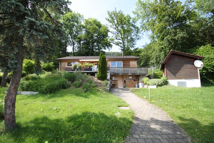 Wooden house surrounded by nature near Basel - Movelier - Ev