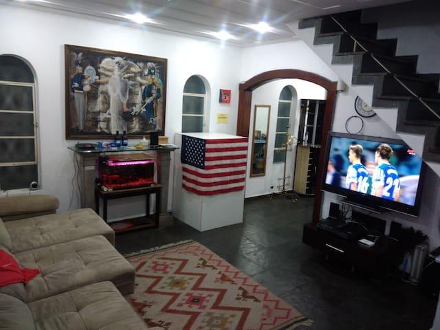 Hostel Consulado Americano FAMILIAR (M3)