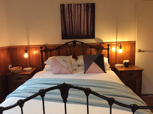 The Green Room Wattle Glen - Wattle Glen - Bed & Breakfast