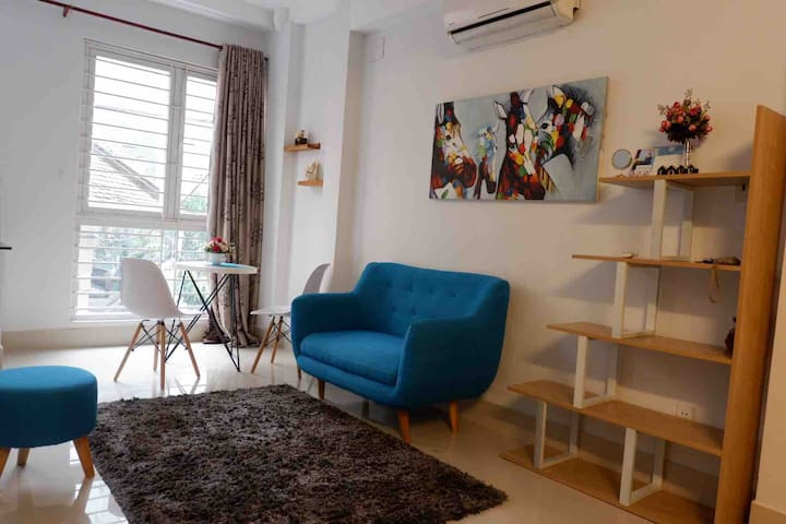 Cozy apartment 5 min walk to DT, embassy of Japan