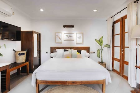 TAJUG LORO #1 -Stylish+comfy room 2mn from Monjali