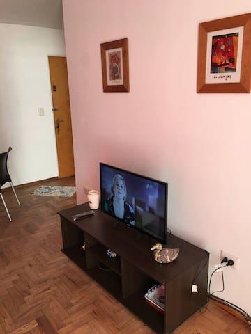 Simple Log Queen Room