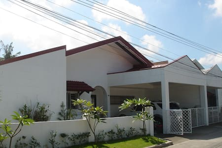 Sunny, 3 bedroom family Home - Angeles