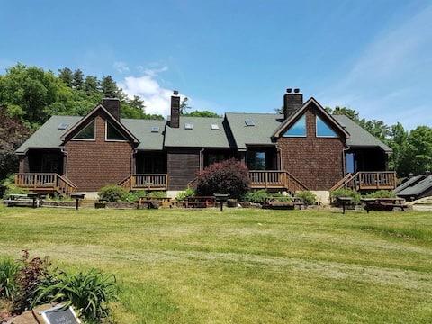 Lakefront Villas on Northern Lake George (N4)