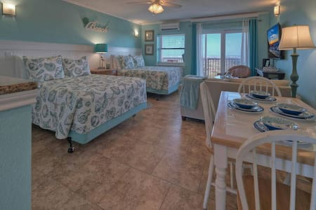 SEASIDE BLESSING-ON BEACH-Sleeps 4-Pool-Boardwalk!
