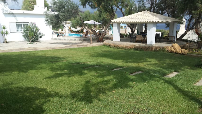 Luxury Villa near Athens - Keratea