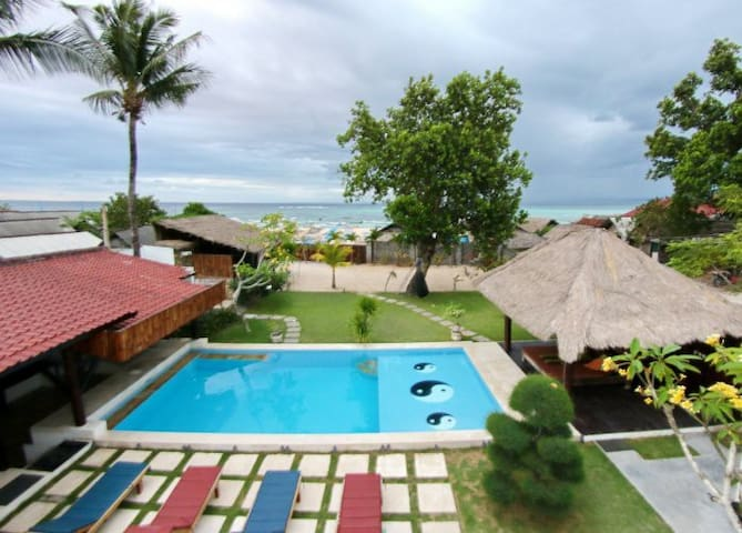 Lembongan Beach House Book exclusive house or room