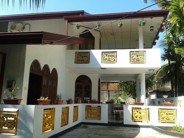 Aluthgama Guest House near ocean - Aluthgama - Bed & Breakfast