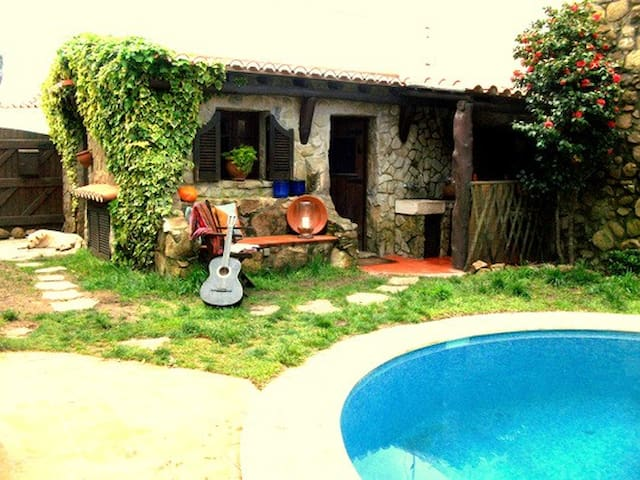 CUTE STUDIO W/ SWIMING POOL - Sintra - Rumah