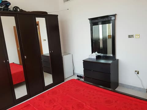 Privte bedroom in citycenter 10min walk to cornice