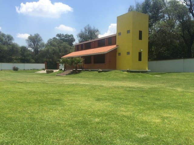 Bellísima Casa de Campo a 5 min. de Tula.