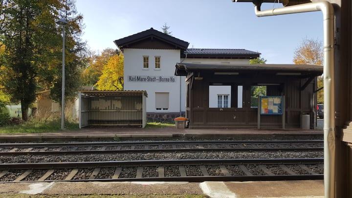 room in a DDR-era train station