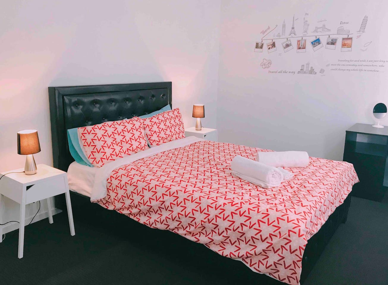 Massive Queen size bedroom with 4K/ Netflix TV