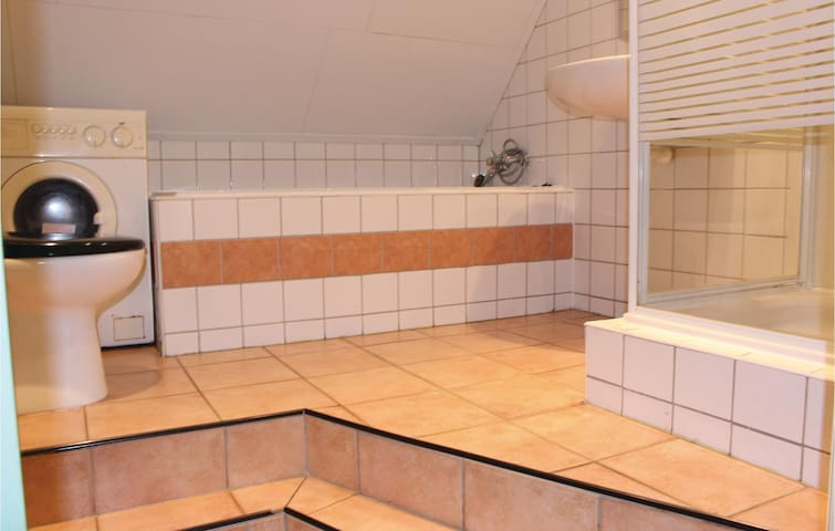 Holiday apartment with 3 bedrooms on 80m² in Augustinusga