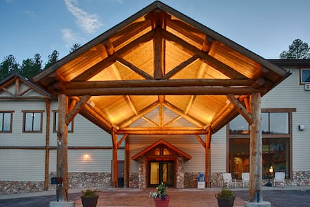 The Lodge at Mount Rushmore - Keystone - Bed & Breakfast