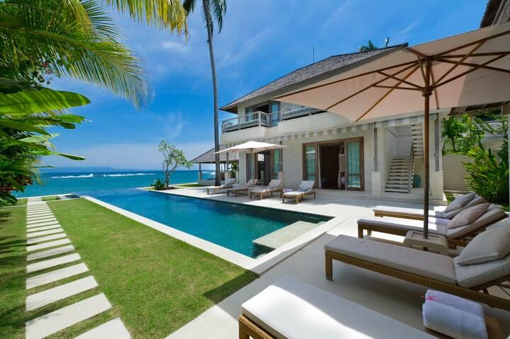 Luxury 4 Bedroom Villa2 Waterfront, Candidasa;