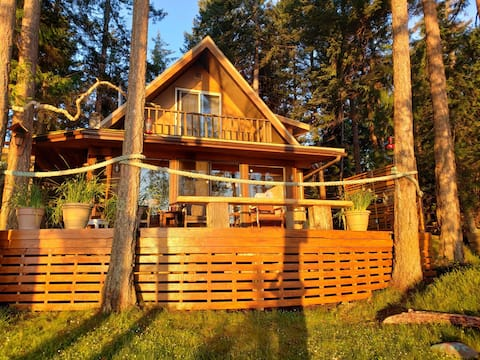 Hornby island  beach front cottage