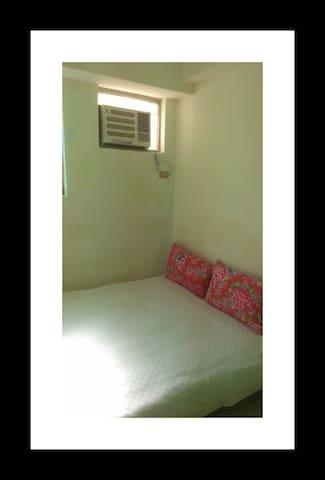 Simple , Quiet n Clean double room雙人床一張鄰近鐵花村
