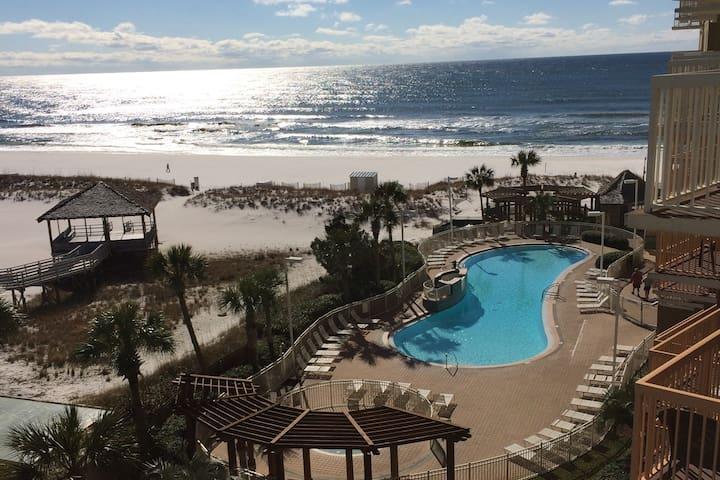 Pelican Beach! 2Bed 2Bath Condo Sleeps 6 On Beach!