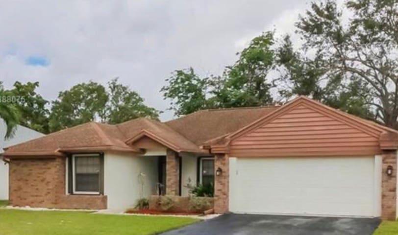 South Florida KBG Golden Mansion Style