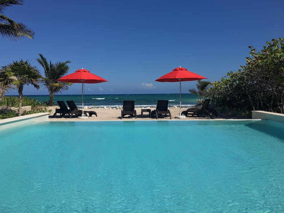 Infinity Pool at Tao Beach Club (exclusive full access just steps away from the rental home)