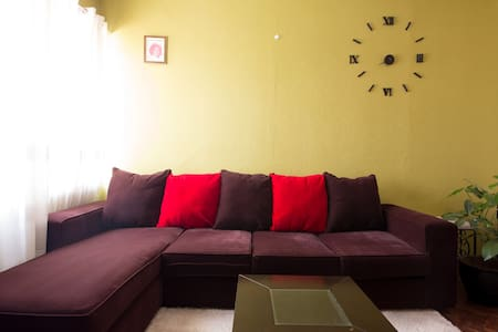 Entire 1 bdrm in Westlands $500 monthly + cleaner