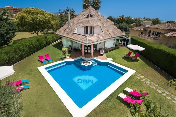 Villa Bel-Air, El Paraiso, Estepona,Costa del Sol. - เอสเตโปนา - วิลล่า