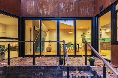 THE STEEL HOUSE - A Hidden Gem in Central Bristol