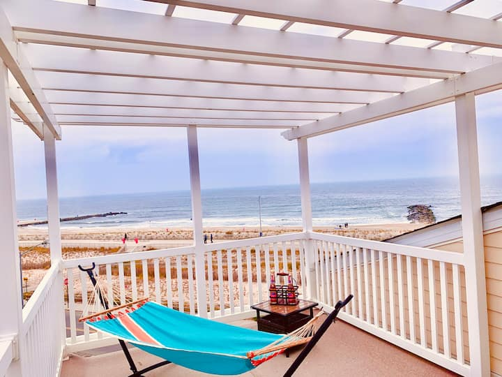Incredible Beach House -Spectacular Ocean View!