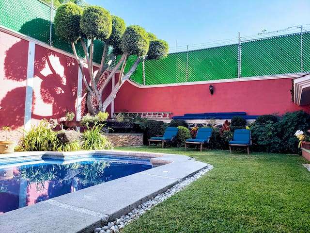 Relaxing, spacious house with Pool in Cuernavaca