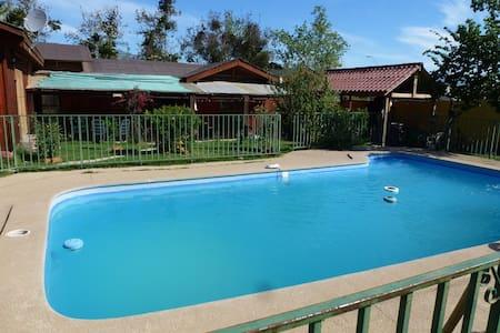 Preciosa casa con piscina en Olmué - Olmué
