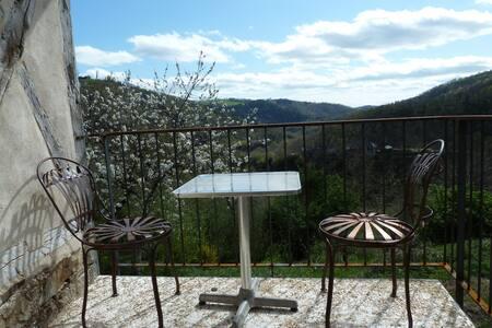 Joli gite avec vue sur les gorges de l'Aveyron