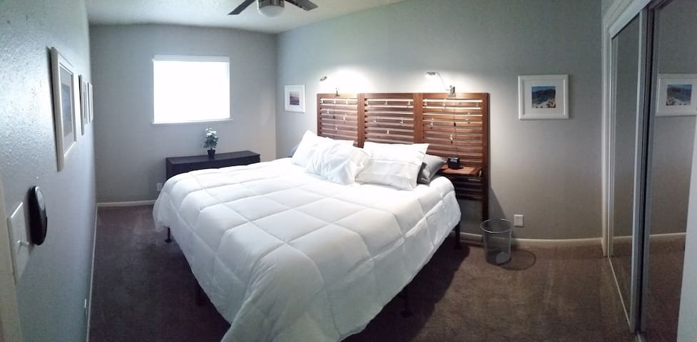 Centralized 2 bedroom to maximize your visit!