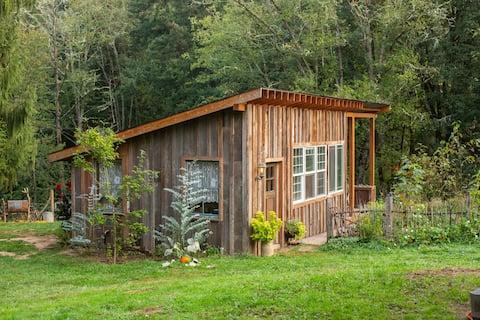 Idyllic Countryside Getaway at Wilson Farm Cottage
