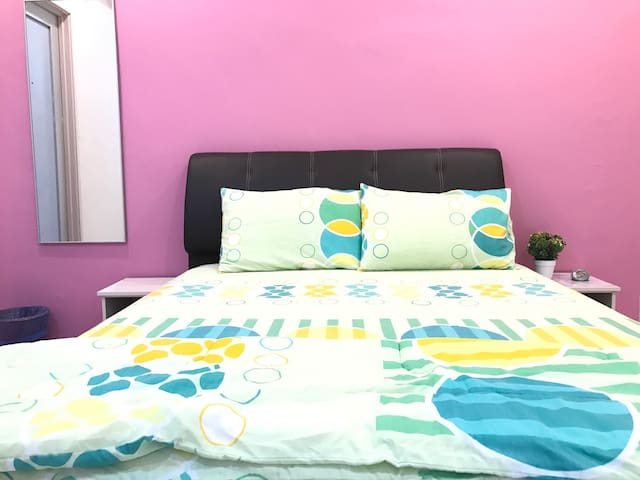 Double Room 双人房(PW4) - Ulu Tiram - Townhouse