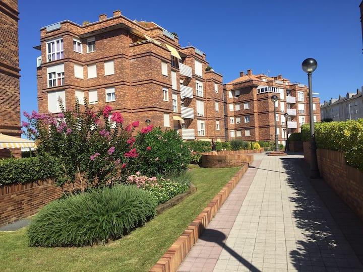 Apartamento con piscina y pistas de paddel