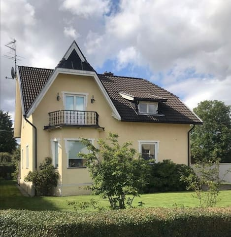 Gorgeous house in quite town near nature.