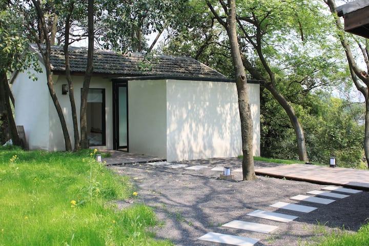 如也隐西|西 西湖边独栋日式林中屋,步行西湖河坊街鼓楼南宋御街10分钟,带庭院,近商场