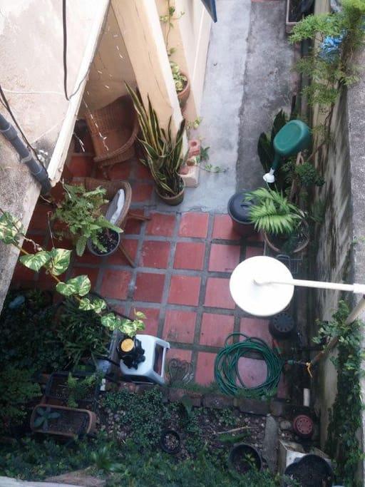 Quintal com Chuveiro Backyard with shower