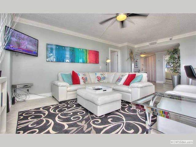 CDM1004 - St Pete Stylish and Contemporary Gem with Panoramic Intracoastal Views