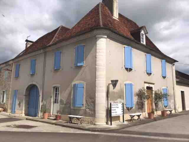 Le Coeur du Bearn (village house & large garden)